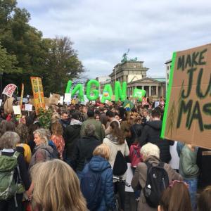 ベルリンで「climate change 地球温暖化・気候変動デモ」参加しました