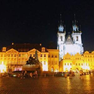 スロバキアからチェコの首都プラハに移動して夜の街を散策!