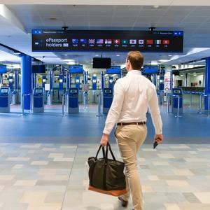 ヒースロー空港で日本人も自動化ゲートを利用できるようになりました。今回実際にePassport gatesを利用して入国審査を経験してきました。