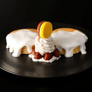 【悲報】官房長官、パンケーキを食べて野党に叩かれるwww