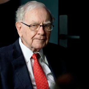 【朗報】バフェット氏、4-6月期に過去最大の自社株買いを実施していた。バークシャー(BRK)への強気の表れか。