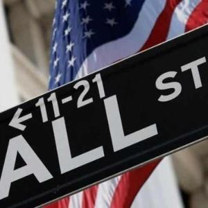 【超絶悲報】「S&P500は来月にも1,600へ下落するだろう」S&P500指数はバブルの様相か。