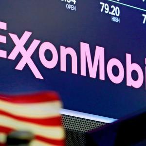 【朗報】エクソン・モービル(XOM)、ついに配当利回り10%超えへ!果たして高配当を維持できるのか。