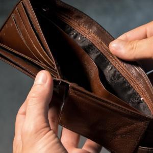 【考察】月末にお金がない・・・と言う無計画な生活サイクルから抜け出すためにはどうすれば良いのか?