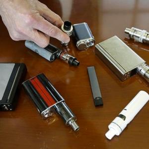 【悲報】米国で電子タバコによる初の死者か