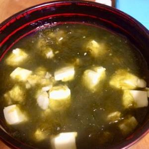 【沖縄食べ物】寒い日はアーサー汁であったまろう。