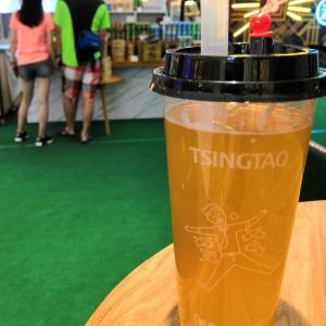 青島ビール(3) ストローで飲むビールも、イイネ!