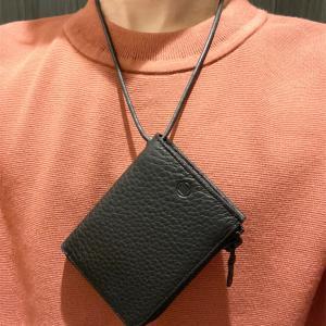 『財布は持ちたくないけど手ぶらに抵抗がある方』必見!!!ファッション性も兼ね備えたネックウォレットがこちら!【yorozu キリハナネックウォレット10】