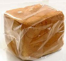 シチューのリメイクでパンのカップグラタン