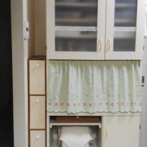 食器棚のカフェカーテン🌼