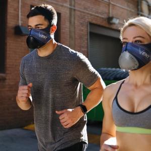 花粉やウイルスを99.36%防ぎながら運動ができる トレーニングマスクVENT