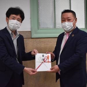 ファイズホールディングス株式会社が大阪府にフェイスマスク2万枚を提供