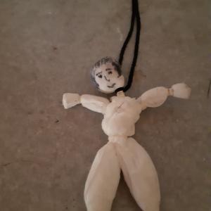 世界初公開!時価2億円の価値ある写真。これが幽霊がつくってせごんさんにあげた人形。奏智先生いわく幽霊が人形なんて作れるわけないやん。