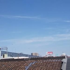 ただいま大阪東住吉・駒川上空ぎょえぎょえ地震雲。近々どこかにどでかい地震が来るかも。