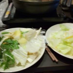 本日のディナーはしゃぶ葉キュープラザ心斎橋店へ。マスコミの人のおごりで。すかいらーくグループ日本最低店舗。タブレットでオーダーしたものが40分経過しても来ず、そのまま終了。本日は牛肉三昧。寿司も。