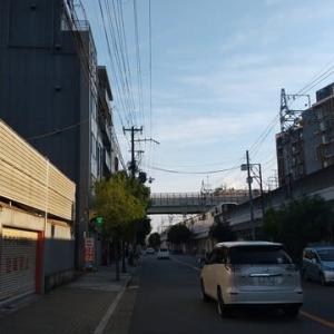 本日大阪今宮戎駅上空。地震雲が。