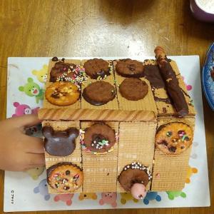 プチクマのお菓子の家。作ってみた。そして甘かった。