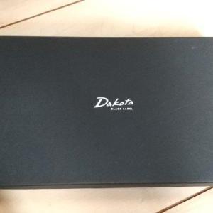Dakotaの長財布ってなんか、触り心地がいい。