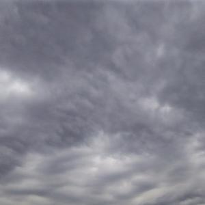 集まった龍雲と明王と唇の雲(19.5.31.金)