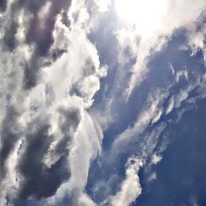とっ散らかった空に、ものすごい数の色々な異次元さん、天界さん、神様、仏様たち。(20.1.10.金)
