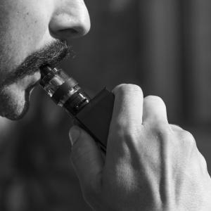 【電子タバコ】WHOが「間違いなく有害」と表明。安全神話はどこで始まり、広まったのか。「有害」である本当の理由。