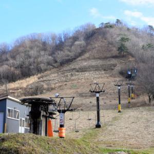 ゴルフ場は喜んでいるようですけれど  スキー場は本当に困っていますね …  ★暖冬に少雪…今冬の「異変」はデータ