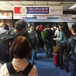 【現地報道に見るネパール市場の状況】観光客を誘致する前に空港サービスを改善する必要がある:2019年10月22日付けKathmandu Post紙