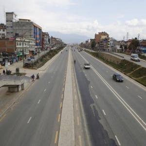 【現地報道に見るネパール市場の状況】全国封鎖が4月7日深夜まで、国際便の停止は4月15日まで延期:2020年3月30日付けKathmandu Post紙