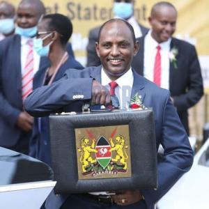 【現地報道に見るケニア市場の状況】ケニア経済を復活させるには1,700億シリング(約1,700円)が必要:2020年6月17日付けStar紙