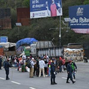 【現地報道に見るネパール市場の状況】乗用車は午後7時から午前7時までカトマンズ盆地内への流入禁止:2020年7月30日付けKathmandu Post紙