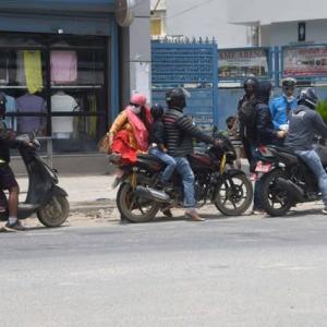 【現地報道に見るネパール市場の状況】カトマンズ盆地やその他地域で車両の奇偶ルールを再開:2020年8月5日付けKathmandu Post紙