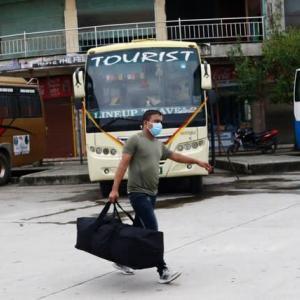 【現地報道に見るネパール市場の状況】長距離バスが再開されたが、カトマンズ盆地を離れる人はほとんどいない:2020年9月18日付けKathmandu Post紙