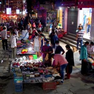 【現地報道に見るネパール市場の状況】お祭りの買い物シーズンにもかかわらず店舗では閑古鳥が鳴いている:2020年9月24日付けKathmandu Post紙