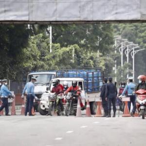 【現地報道に見るネパール市場の状況】カトマンズ盆地の交通警察は偶奇ルールの違反者に対する大規模な取り締まりを開始:2020年9月29日付けKathmandu Post紙