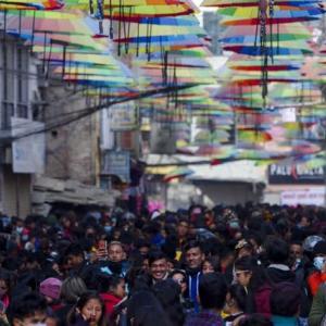 【現地報道に見るネパール市場の状況】New Roadの振興策は群衆に対応できず中止に:2021年1月3日付けKathmandu Post紙