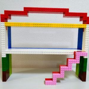 レゴでハウス型のドールディスプレイ作ってみた