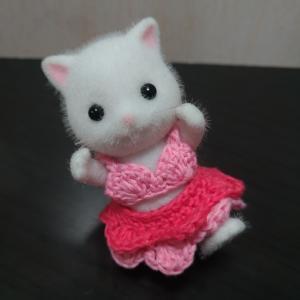 第109回 編みバニア『刺しゅう糸で編む シルバニアファミリーのかぎ針編みのお洋服』