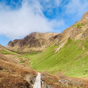 【秋田駒ケ岳】紅葉の絶景と美しいムーミン谷を歩く秋登山