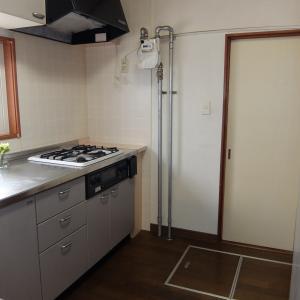 キッチンの調味料…見せる収納・しまう収納 本当にラクで面倒ではないのはどっち?