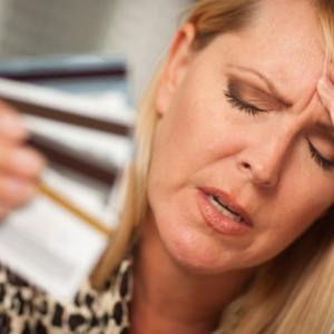 クレジットカードが無効になった!?その原因と対処方法について