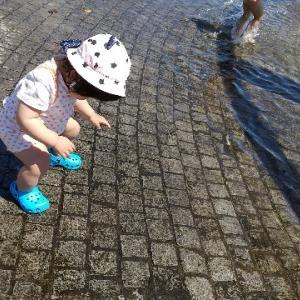 初めての水遊び(生後416日。)