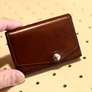 小さい財布・ブッテーロレザーエディション(キャメル)の使用開始1年後の様子