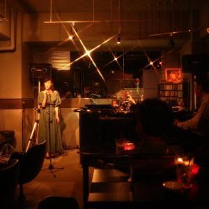 銀座 Vol.40 <オトナの時間 その10・ピアノバー シャンソン>
