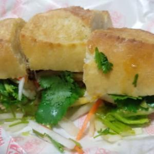 ベトナムのサンドイッチをいただきました。
