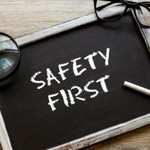 バイナリーオプションは安全なの?【初心者でも安全な業者やアプリを教えます】