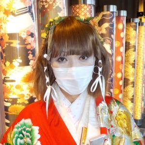 京都嵐山キモノ・フォレストを打掛の振袖を着て散策。