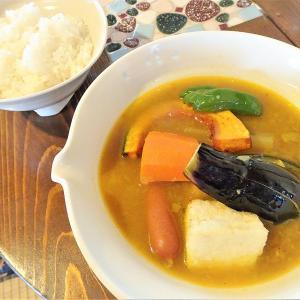 カフェノラ/富良野市/キーマもスープも!富良野産野菜がギュッと詰まったヘルシーカレーランチ♪
