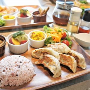 ホワイトマグ/札幌市/低カロリーでガッツリ!お肉不使用の餃子で高満足度ランチはいかが?♪