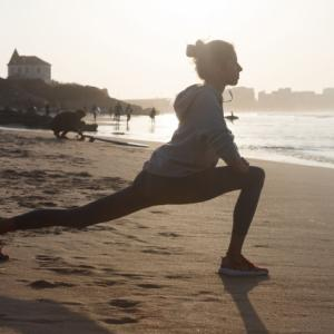 スポーツの秋!筋力トレーニングに関する英語「腹筋」は英語で何て言う?