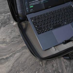 PCスタンド搭載のビジネスバッグ!MOBICASE モビケースの使用感レビュー